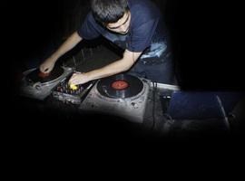 DJ-Dresir909